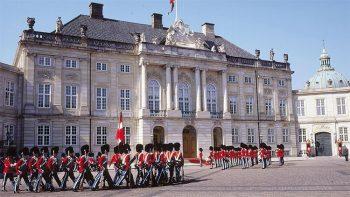 Danimarca Copenaghen-cambio-guardia-palazzo-reale