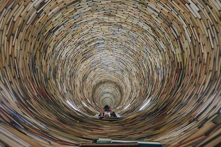 Praga Biblioteca-istallazione-Idiom-interno